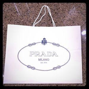Prada          Shopping bog.🛍